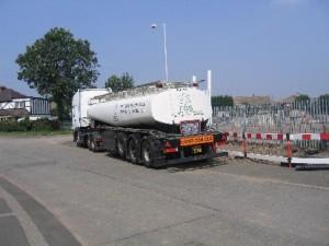 IMG_0366.JPG tanker lorry