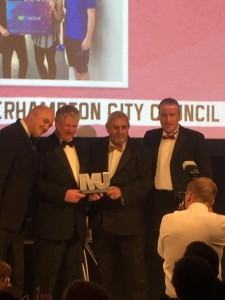 ClGanQWWIAE1FYS City Receiving MJ Awards 2016