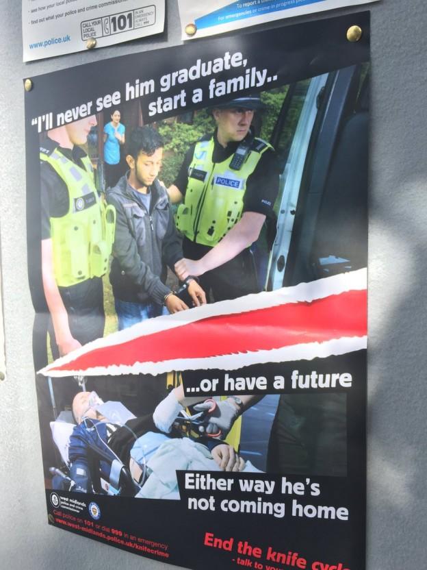 DGYxbH7XcAATgKo Police Knife Crime poster