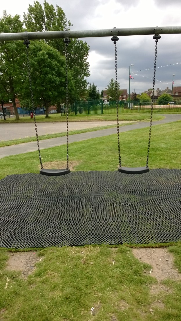 Ashmore Park Swings and Matting